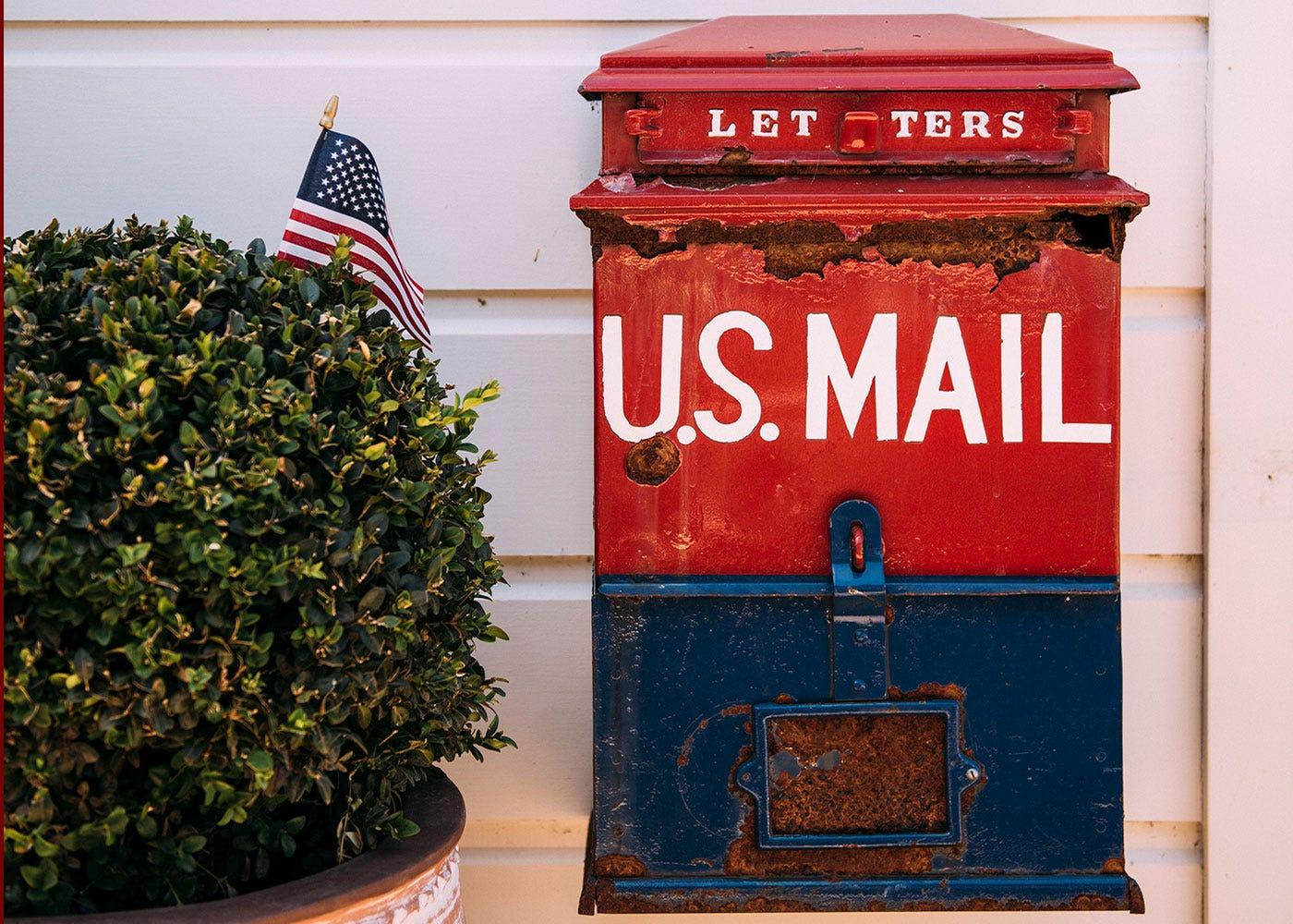 Oakville Grocery exterior antique mailbox